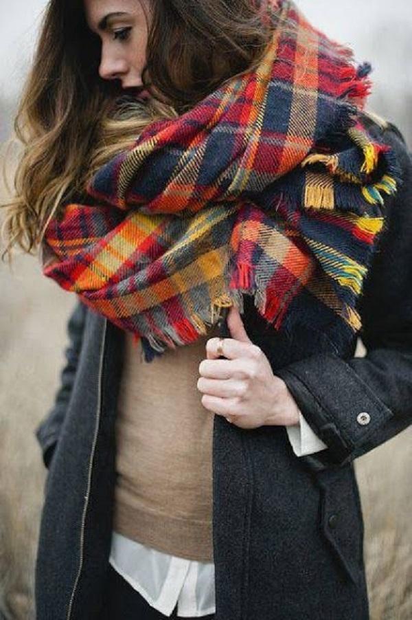 Простые способы ношения палантина в холодное время года, фото № 10