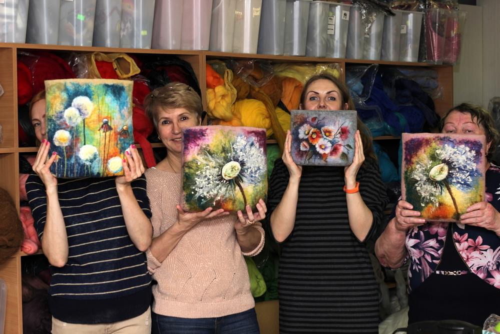 Мастер-класс по мокрому валянию сумки с акварельным рисунком, фото № 11
