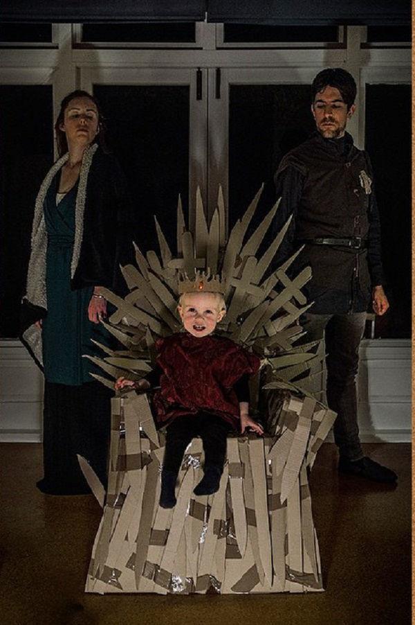 Что будет, если творческим людям дать много картонных коробок Лион Мэки и Лилли Лэнг — творческая семья киноманов, фото № 23