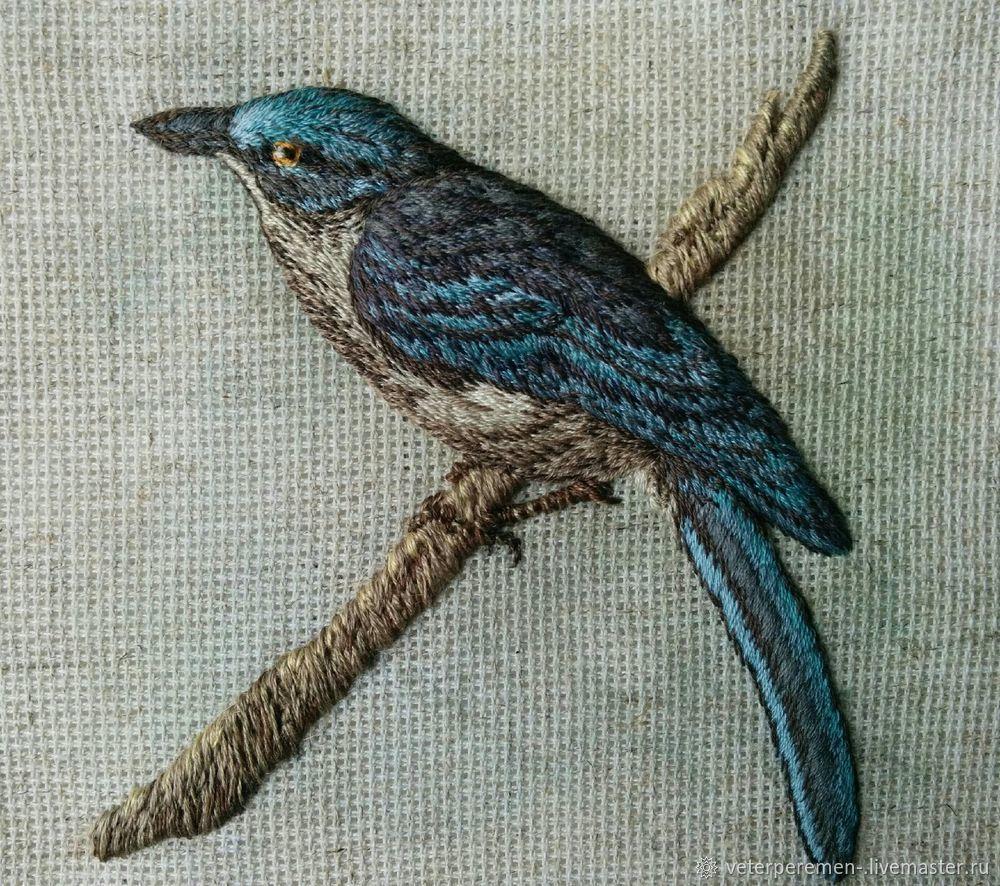 Авторская вышивка объемной птицы гладью  «Лесная красавица», фото № 8
