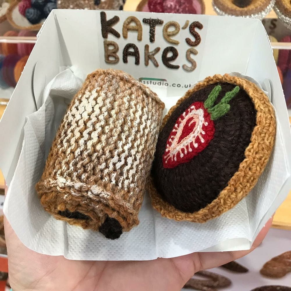 Adorable Sardines & Baguettes In Love: Knitted Food by Kate Jenkins, фото № 16