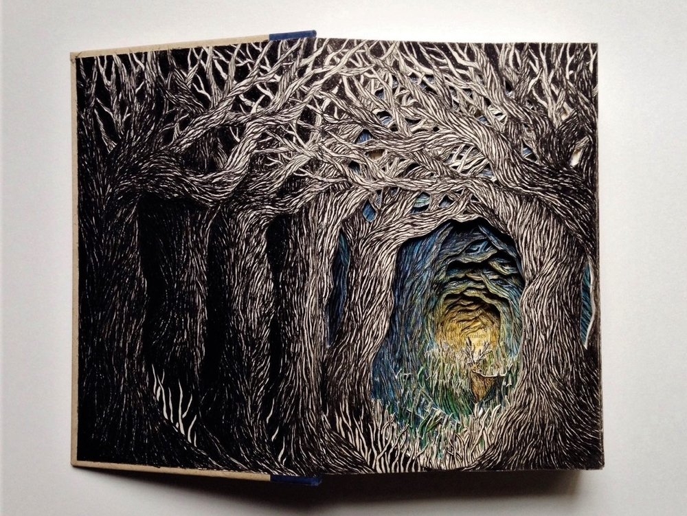Isobelle Ouzman Creates Amazing Multi-Layered Compositions Cut Of Old Books, фото № 11