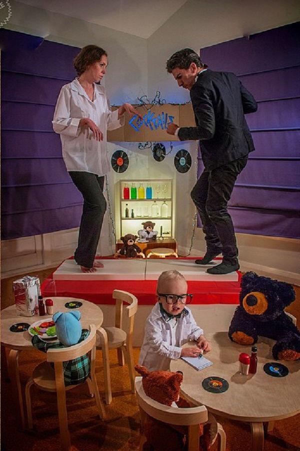 Что будет, если творческим людям дать много картонных коробок Лион Мэки и Лилли Лэнг — творческая семья киноманов, фото № 32