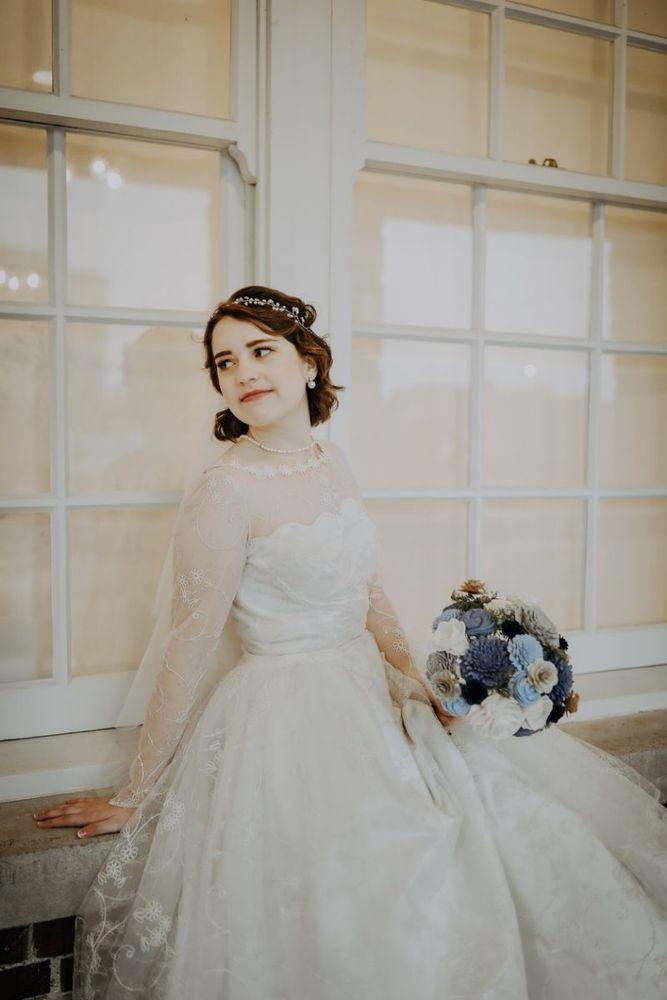 Она надела бабушкино платье из 1956 и выглядела роскошно! Как вещь «на один раз» превратилась в семейную реликвию, фото № 4