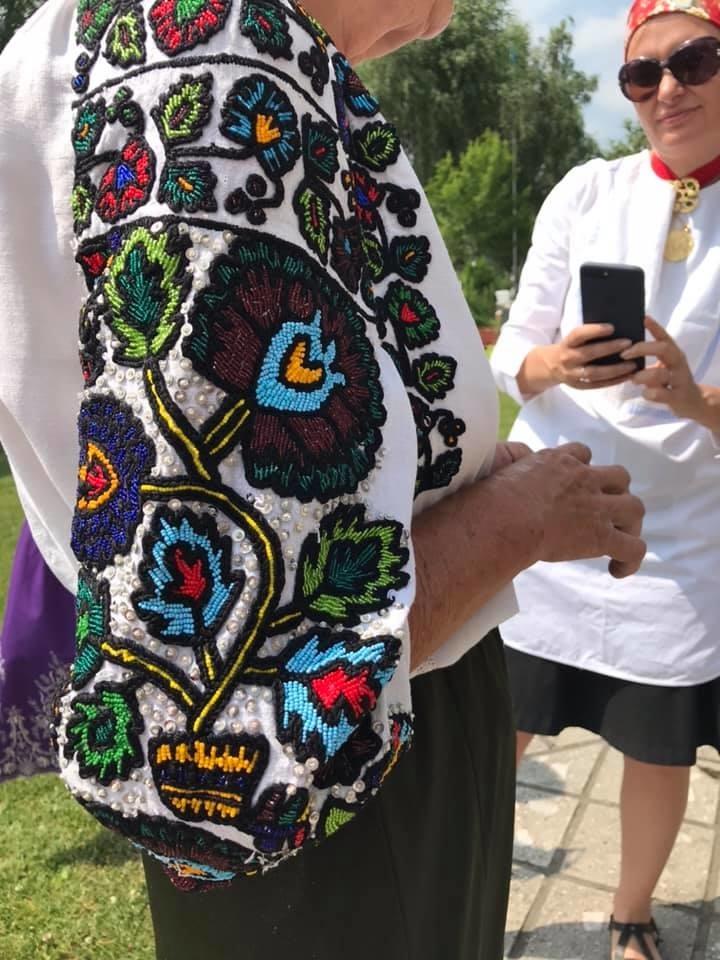 Образцы народной вышивки на сорочках в селе Старые Куты Косовского района – Ярмарка Мастеров<br />