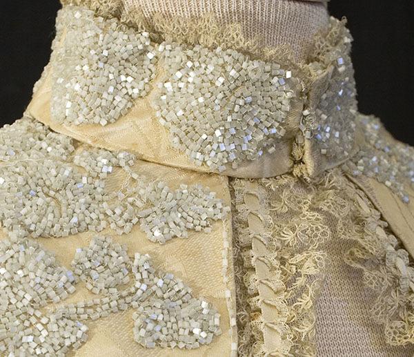Атласное платье с вышивкой из бисера, 1888-1900, фото № 7