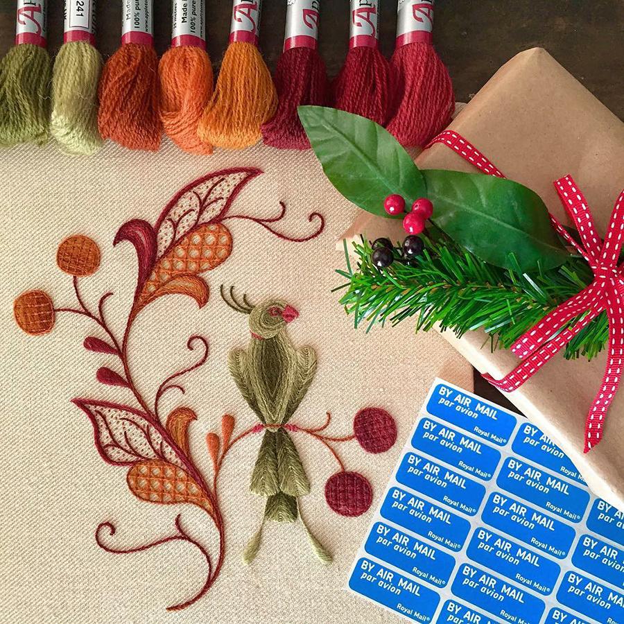 На стыке прошлого и настоящего: как британская вышивальщица возрождает культурные традиции, фото № 18