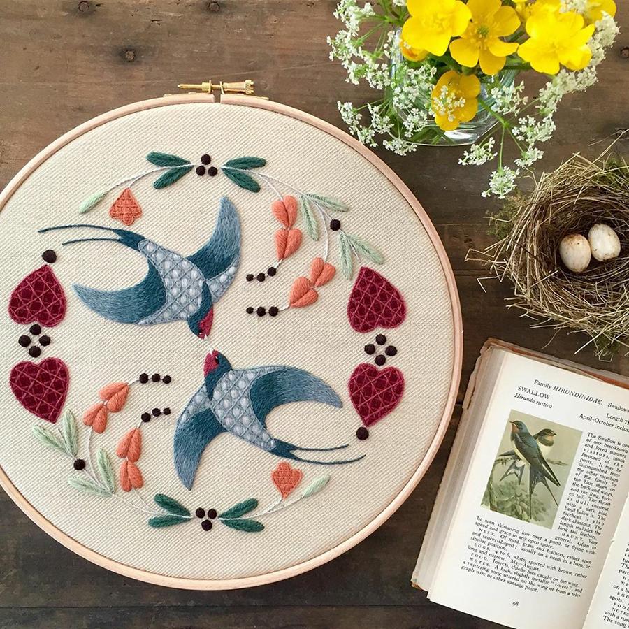 На стыке прошлого и настоящего: как британская вышивальщица возрождает культурные традиции, фото № 19