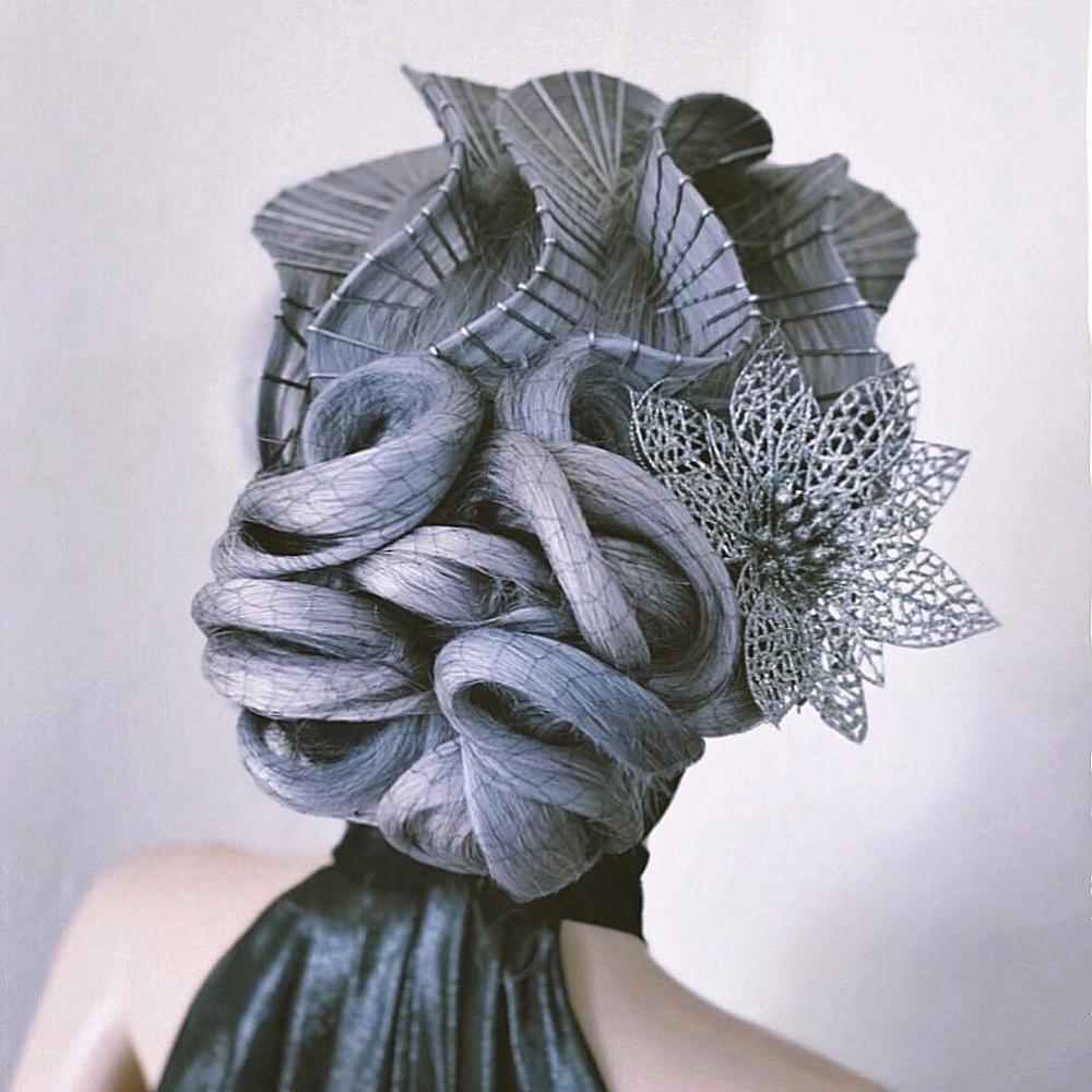 Просто добавь невидимок и лака для волос: 10 причесок, созданных Кейси Пауэлл, фото № 1