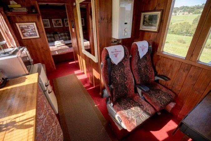 Необычный дом британки Эммы Хаммонд из вагона, фото № 5