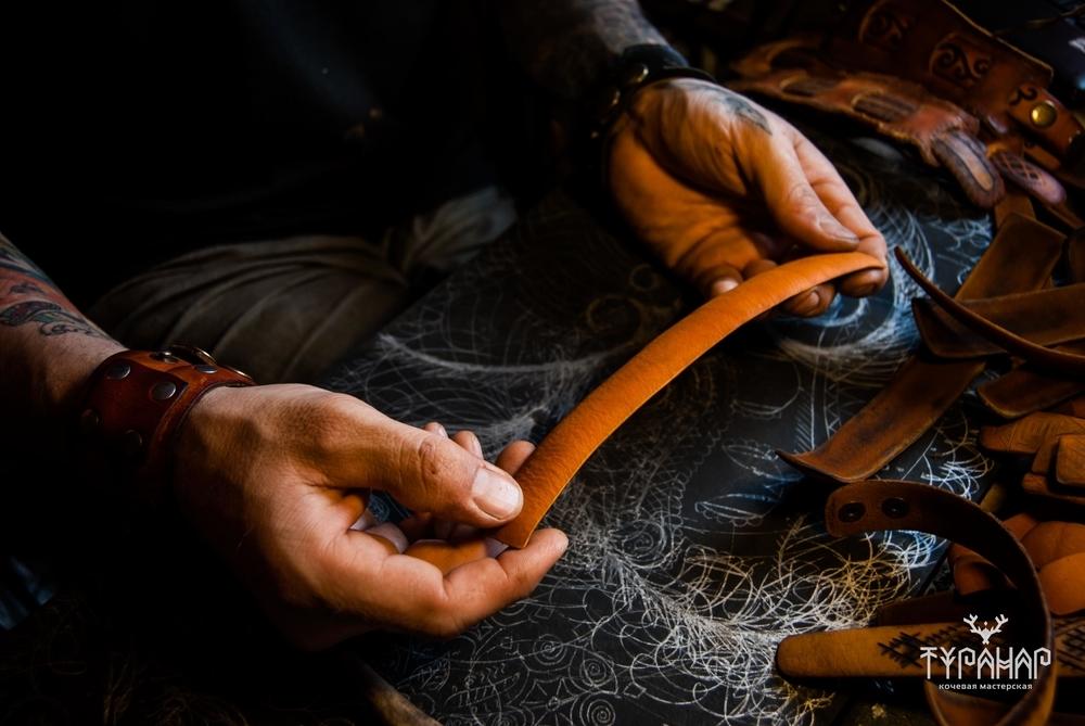 Процесс создания рисунка на коже в стиле Туранар, фото № 1