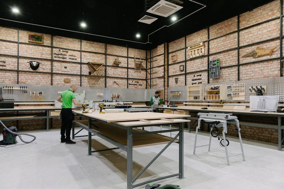 Новый «Леруа Мерлен ЗИЛ» не просто строительный магазин. Там есть мастерская, свежесрезанные цветы и даже роботизированная нога!, фото № 20