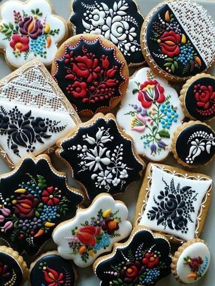 Golden Gingerbread: 30 Handmade Sweets By Hungarian Baker Judit Czinkne Poor, фото № 11