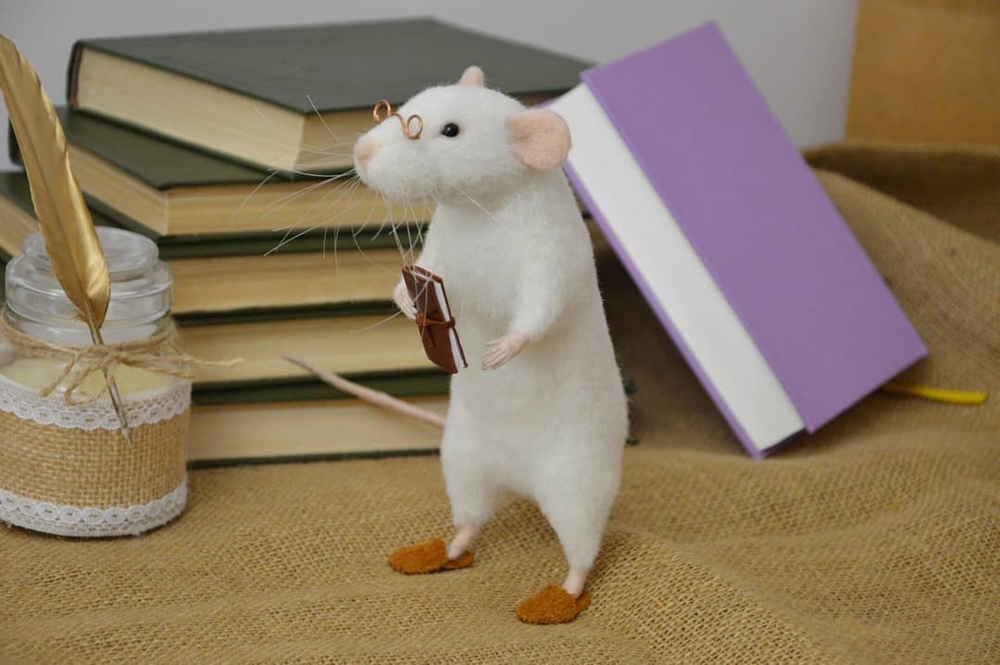 Life Of Outstanding Mice: Felted Rodents Go To Stores, Play Sports & Take Photos, фото № 5