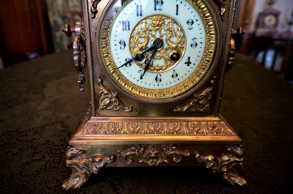Антикварных часов скупка за золота оренбург грамм цена ломбард