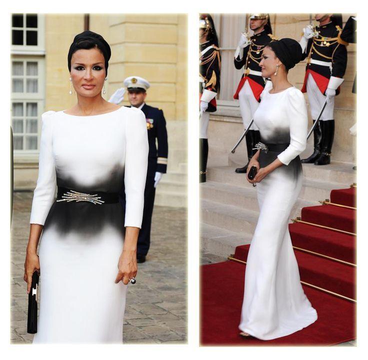 Самая модная женщина Востока. Так называют Шейху Мозу. Ее наряды и утонченный стиль, фото № 13
