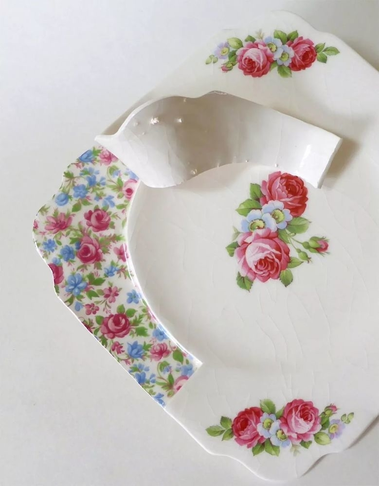 Soul of Dishes: Artist Found out What is Inside Porcelain Set and Cut It, фото № 6