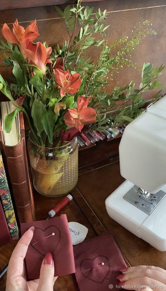Making Velvet Hearts For Decoration, фото № 5