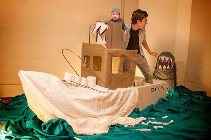 Что будет, если творческим людям дать много картонных коробок Лион Мэки и Лилли Лэнг — творческая семья киноманов, фото № 41