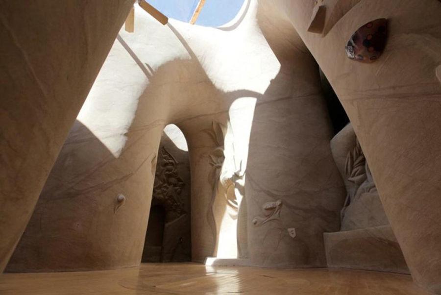 Восьмое чудо света: скульптор-отшельник создает невероятные пещеры собственными руками, фото № 9