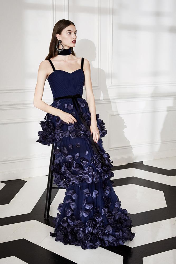 Drama Marquess: Fashion Collection Marchesa Notte Fall 2019, фото № 15
