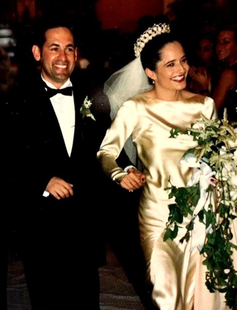 История одного свадебного платья 85 лет и 4 поколения женщин семьи выходят замуж в одном платье, фото № 4