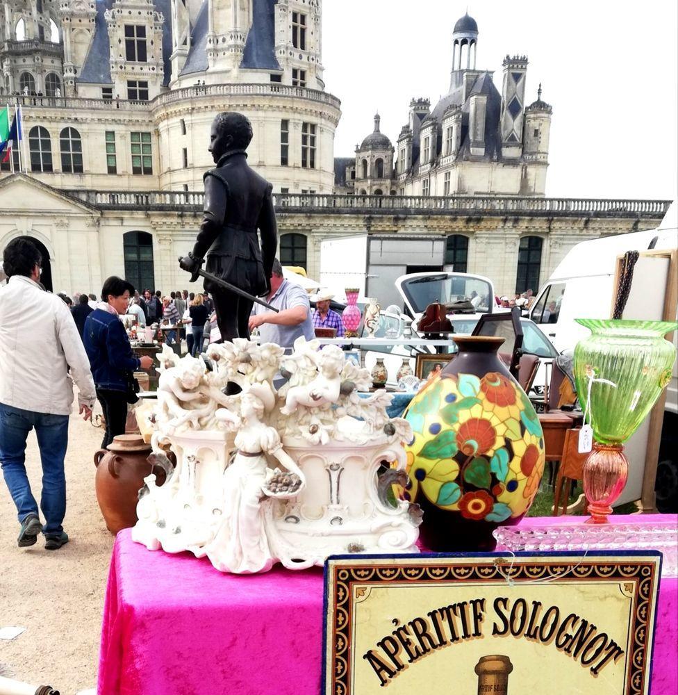 Большой блошиный рынок замка Шамбор