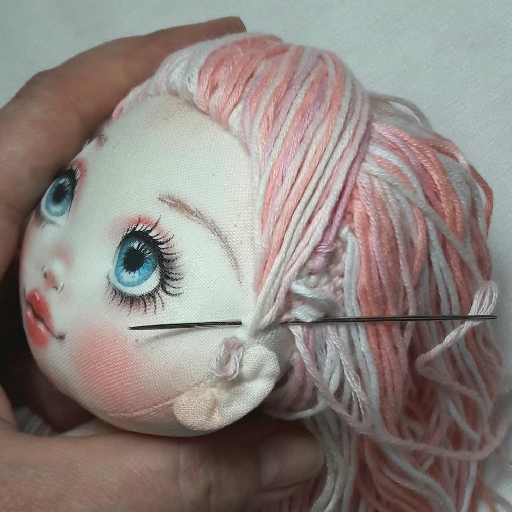 Делаем волосы из пряжи для куклы из ткани, фото № 14