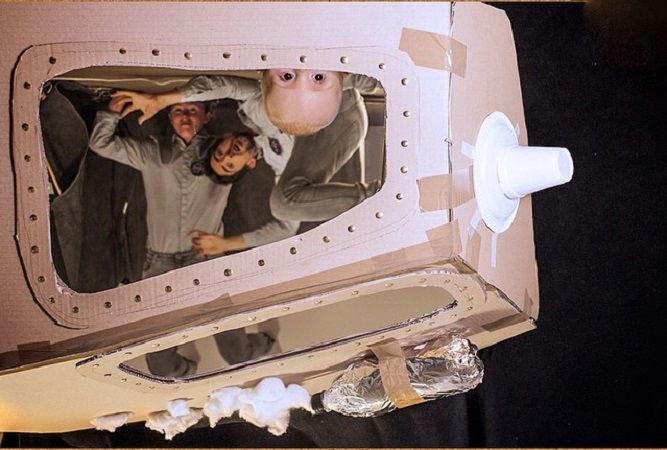 Что будет, если творческим людям дать много картонных коробок Лион Мэки и Лилли Лэнг — творческая семья киноманов, фото № 42