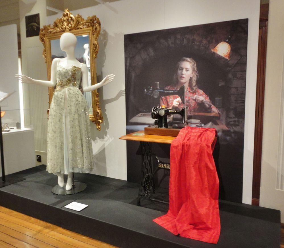 Замечательные костюмы к фильму «The Dressmaker» на выставке  в Канберре. Австралия