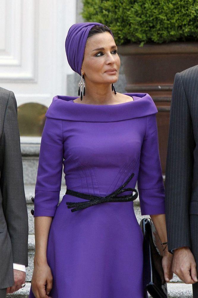 Самая модная женщина Востока. Так называют Шейху Мозу. Ее наряды и утонченный стиль, фото № 11