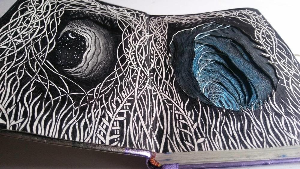 Isobelle Ouzman создаёт удивительные многослойные композиции, вырезанные из старых книг, фото № 25