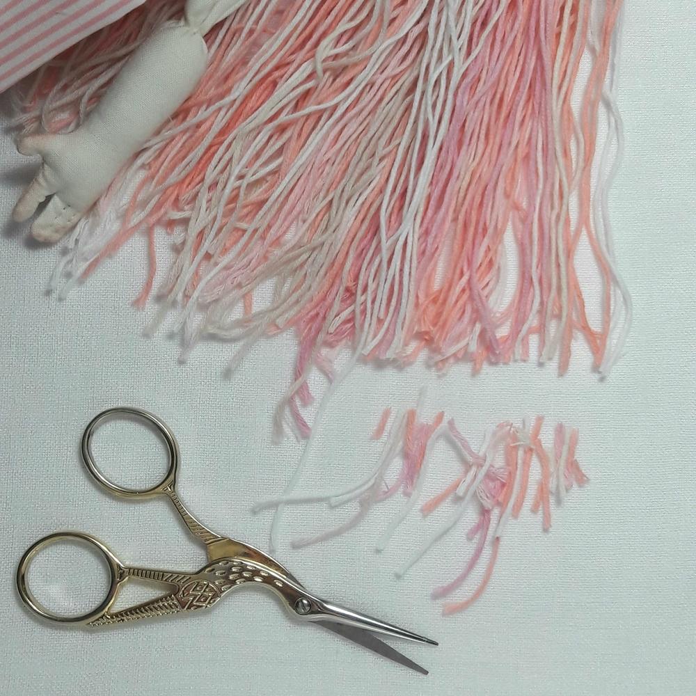 Делаем волосы из пряжи для куклы из ткани, фото № 11