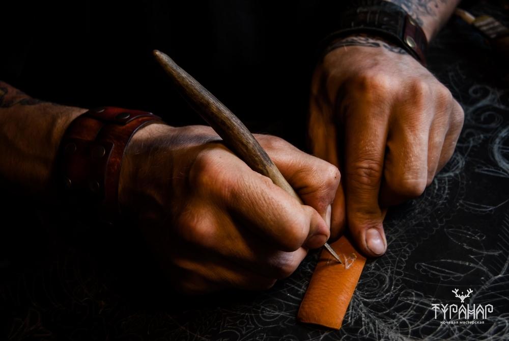 Процесс создания рисунка на коже в стиле Туранар, фото № 4