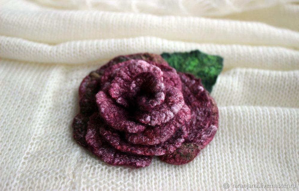 Мастерим брошь-розу из валяной шерсти, фото № 1