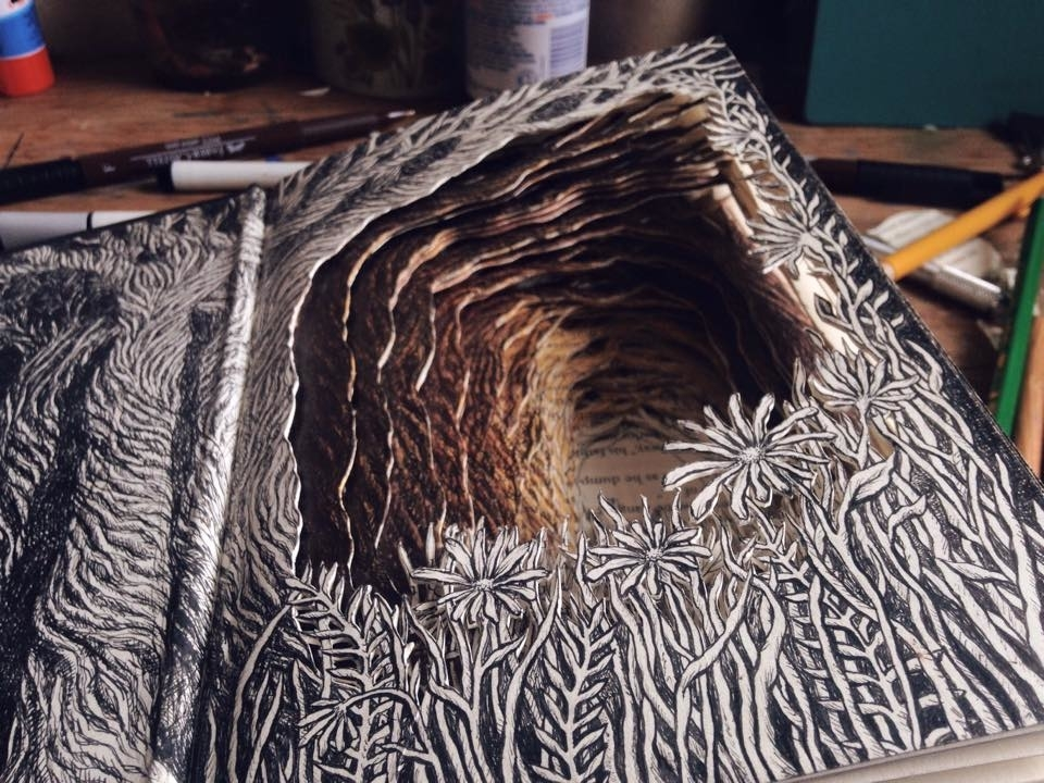 Isobelle Ouzman Creates Amazing Multi-Layered Compositions Cut Of Old Books, фото № 2