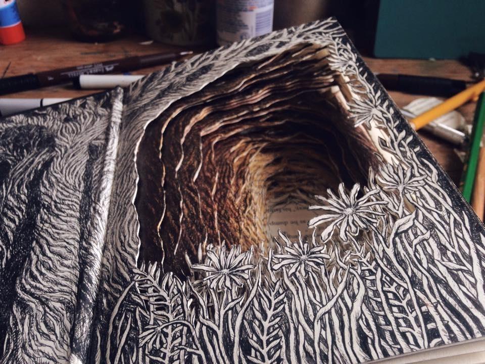 Isobelle Ouzman создаёт удивительные многослойные композиции, вырезанные из старых книг, фото № 2