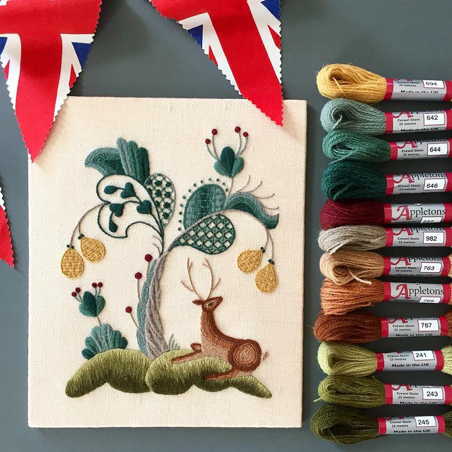 На стыке прошлого и настоящего: как британская вышивальщица возрождает культурные традиции, фото № 13
