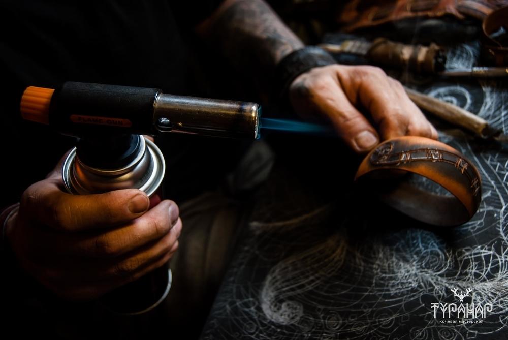 Процесс создания рисунка на коже в стиле Туранар, фото № 5