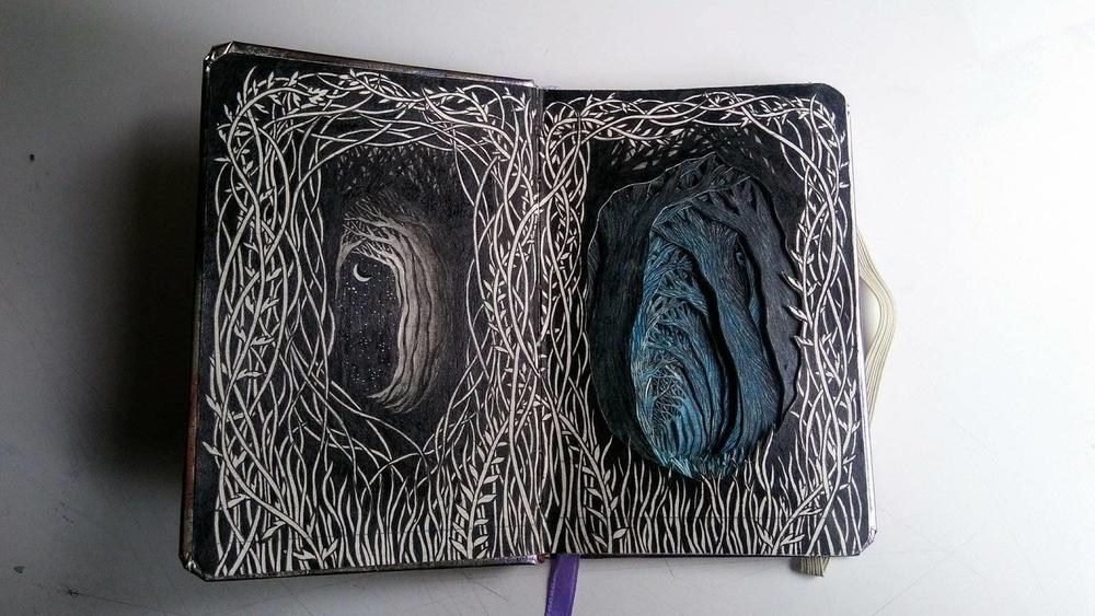 Isobelle Ouzman создаёт удивительные многослойные композиции, вырезанные из старых книг, фото № 24