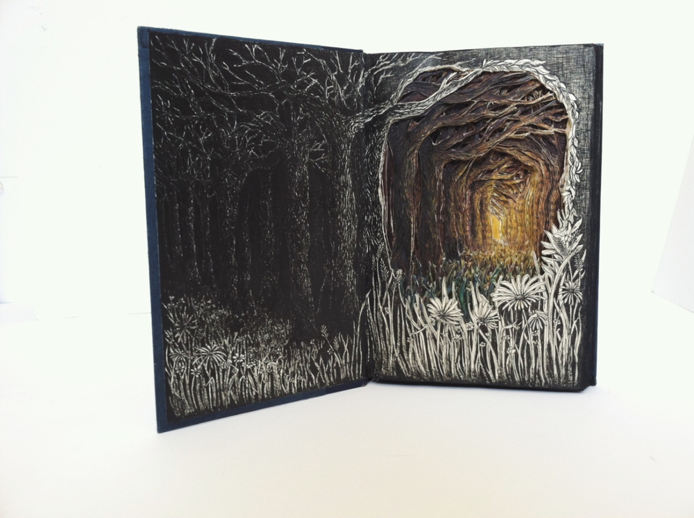 Isobelle Ouzman создаёт удивительные многослойные композиции, вырезанные из старых книг, фото № 9