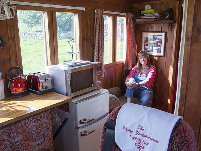 Необычный дом британки Эммы Хаммонд из вагона, фото № 7