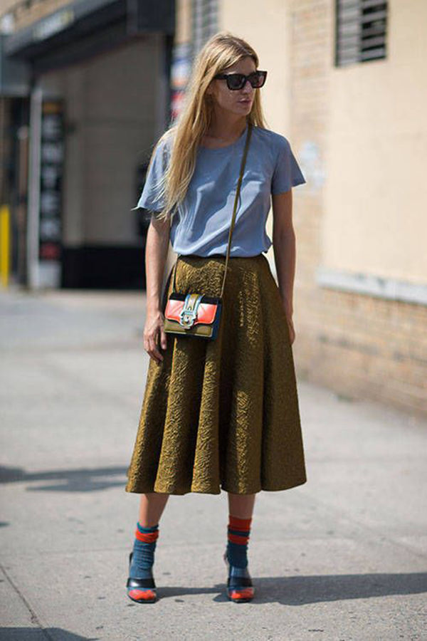 Нас не напугать носками с босоножками: 20 стильных уличных образов в носочках – Ярмарка Мастеров<br />