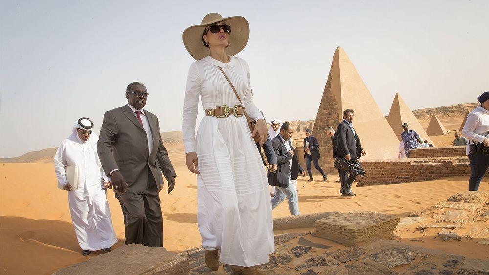 Самая модная женщина Востока. Так называют Шейху Мозу. Ее наряды и утонченный стиль, фото № 2