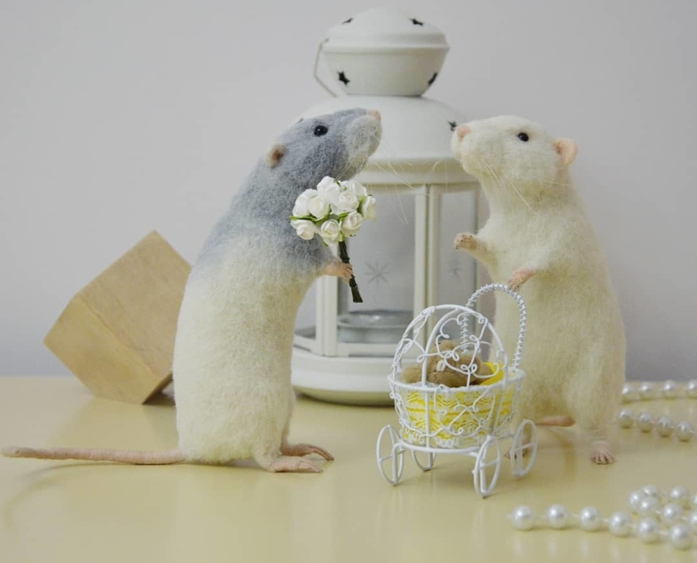 Life Of Outstanding Mice: Felted Rodents Go To Stores, Play Sports & Take Photos, фото № 7