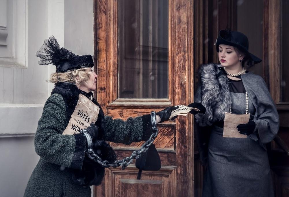 10 ярких образов смелой пенсионерки из Петербурга: зачем пожилая модель постоянно перевоплощается, фото № 6