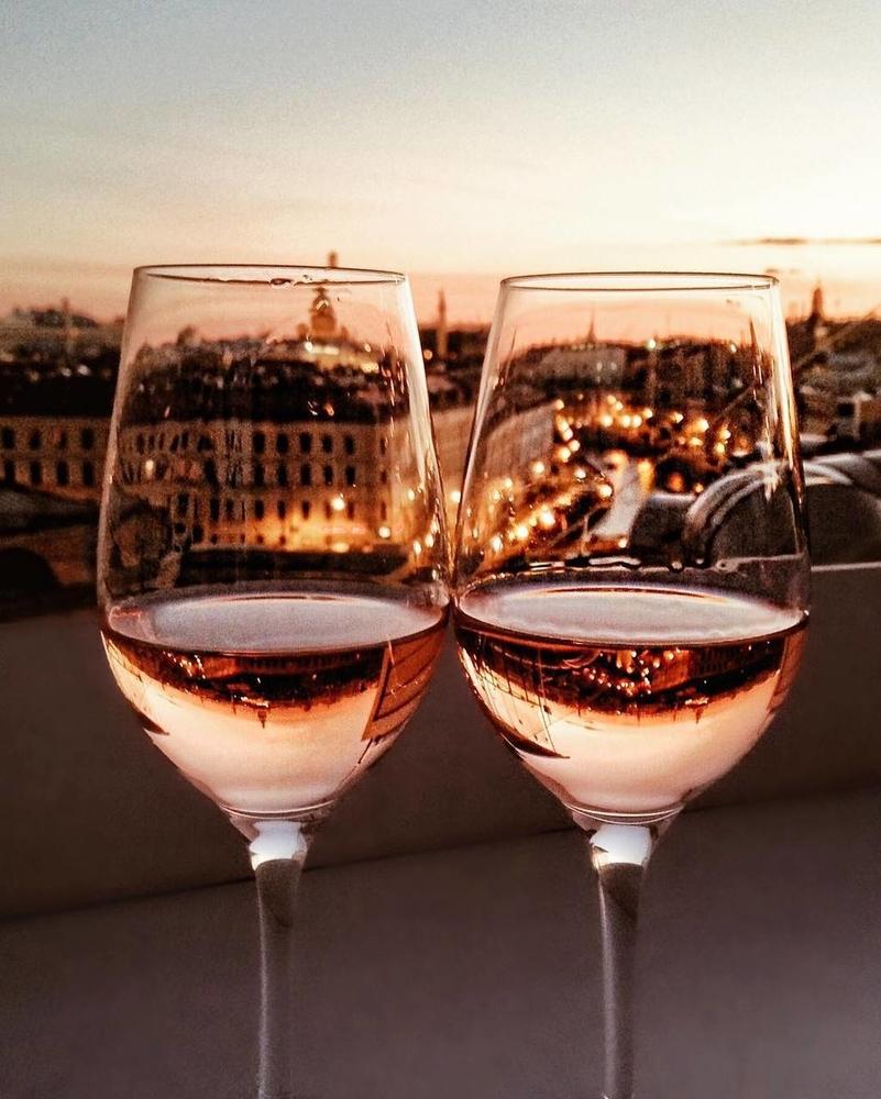 всех два бокала вина картинки относится числу цветущих