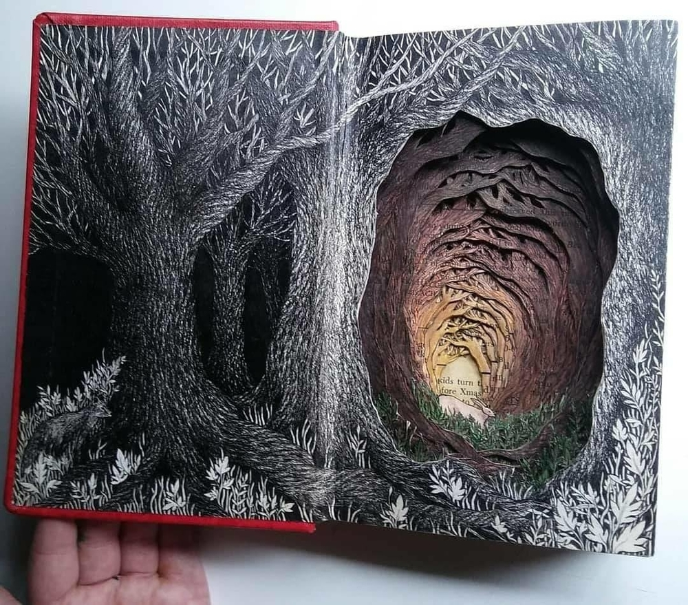 Isobelle Ouzman Creates Amazing Multi-Layered Compositions Cut Of Old Books, фото № 5