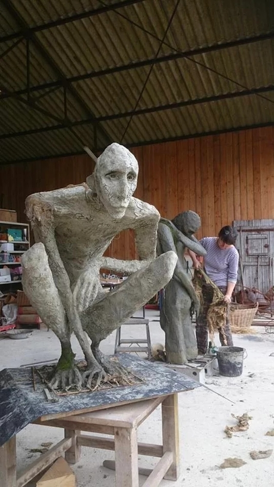 Скульптуры на природе. Пугающие и необычные, фото № 2
