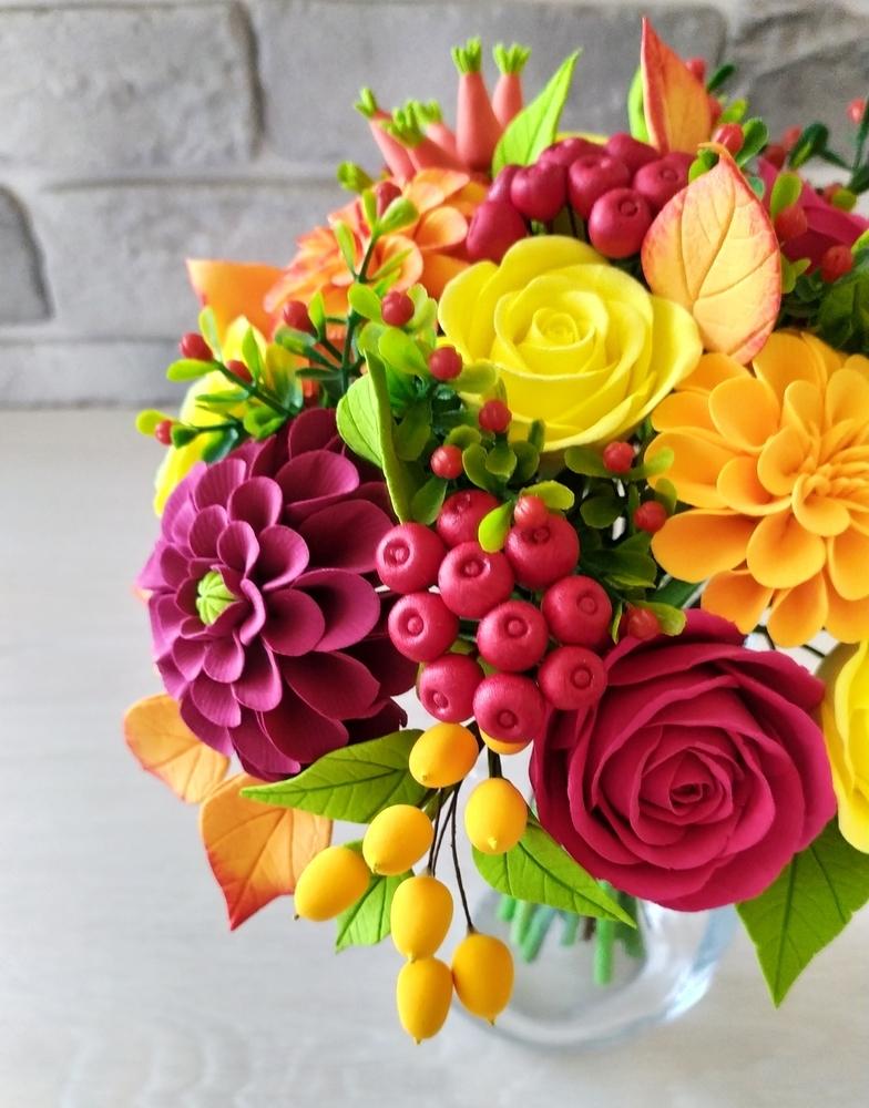 Букет с георгинами, розами и ягодами, фото № 14